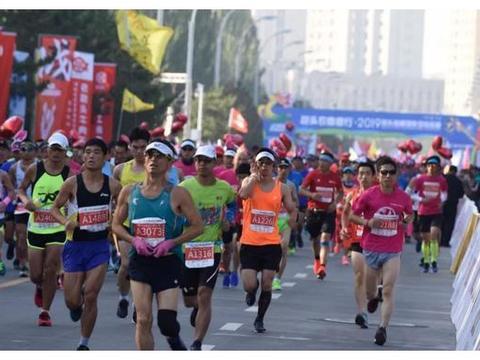 包头马拉松劝退参赛者谁是谁非,主要看关门时间