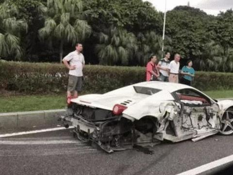 400万法拉利被丰田撞残,维修费超200万,车主:我卖一年燕窝就够