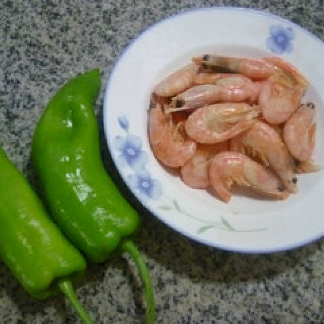 青椒炒北极甜虾,香而不腻的一道菜,想吃虾的这么做没错