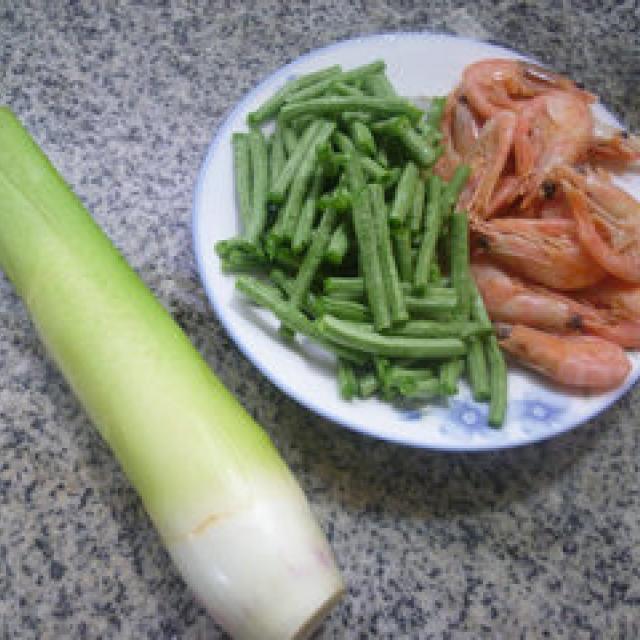 带豆甜虾炒茭白,色香味俱全,营养丰富,全家人吃的美滋滋