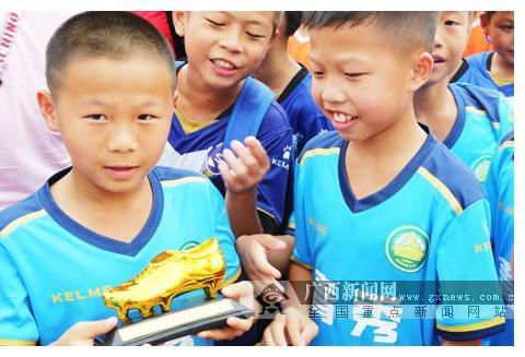 前国脚杨璞寄语广西校园足球:基层教练水平很重要