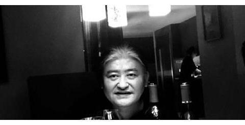 """高晓松与刘欢聚会喝酒,晒合照却暗藏""""心机"""""""