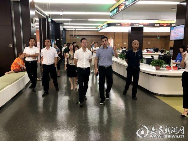 娄星区领导率队赴宁乡市学习考察政务服务工作