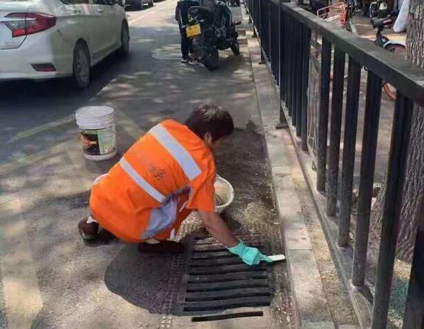 不断加强精细化 济南城管全面提升道路保洁作业