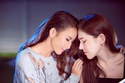 李玟推出新歌《断了》 看许玮甯拍MV感动落泪