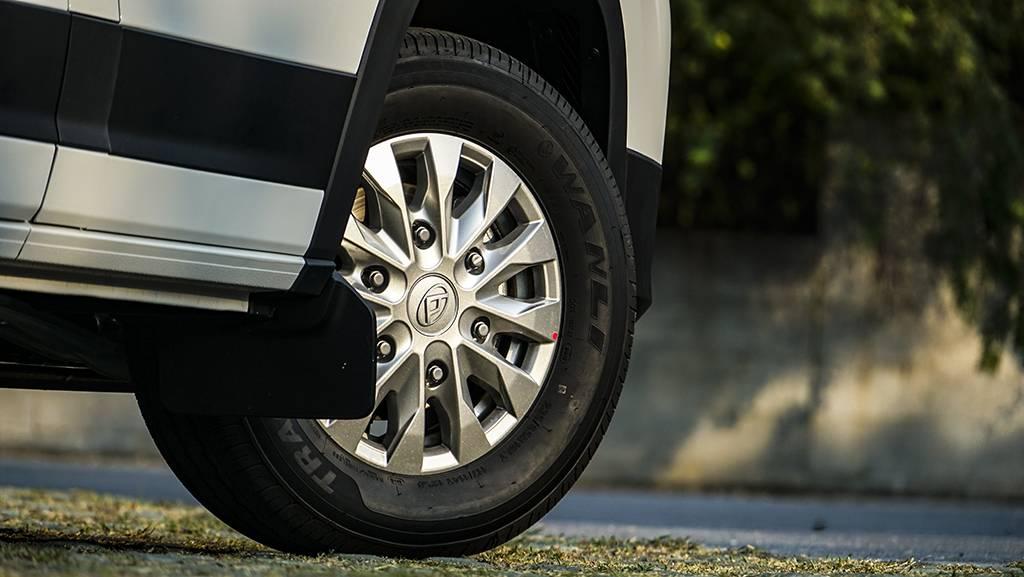 商用市场新选择,车型灵活配置多,试驾上汽MAXUS V90