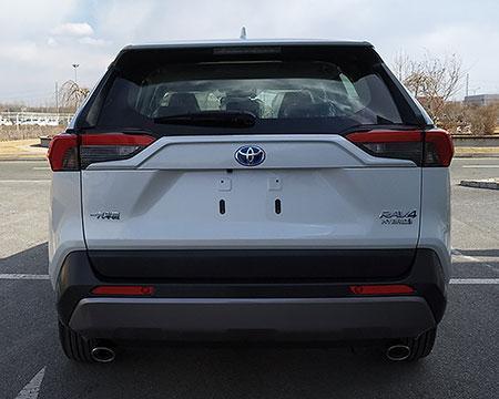 一汽丰田全新一代RAV4 2.5混动版实车信息,双出排气,稳健形象