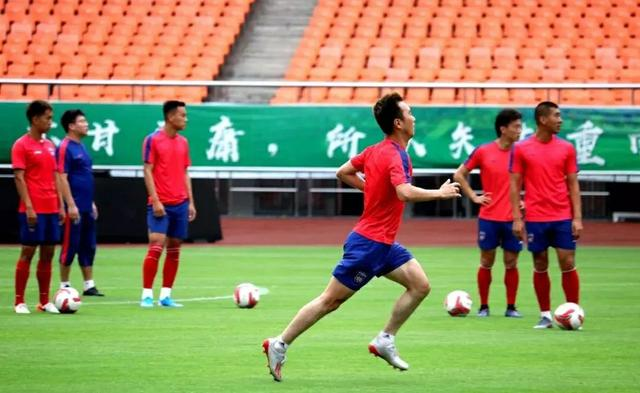 顽强!陕足战胜北体大提前7轮保级,这才是中国足球应有的精气神