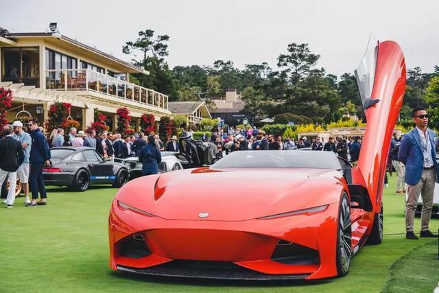 Karma汽车现代豪华高科技与传统经典老爷车邂逅圆石滩