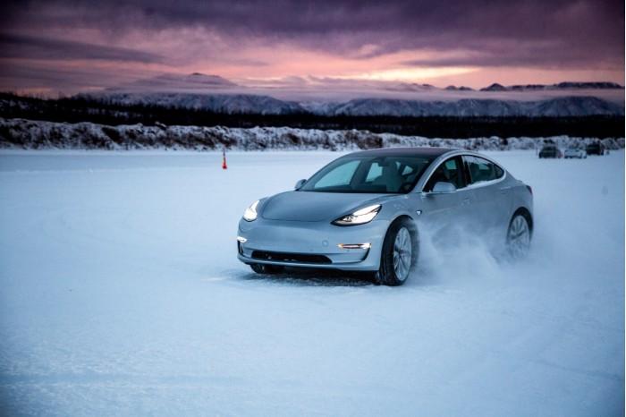 加拿大新EV税收抵免政策促使销量激增30%