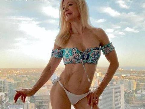 """澳洲63岁奶奶拥有""""川字腹肌"""", 她称: 追我的都是小鲜肉"""