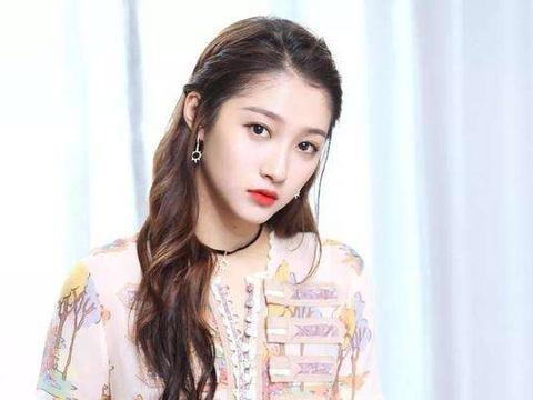 娱乐圈的4位美女学霸:关晓彤上榜,最后一位曾是法律系毕业!