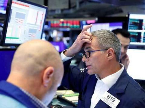 美国纽约三大股指全线暴跌,道琼斯指数一度下跌了700多点!