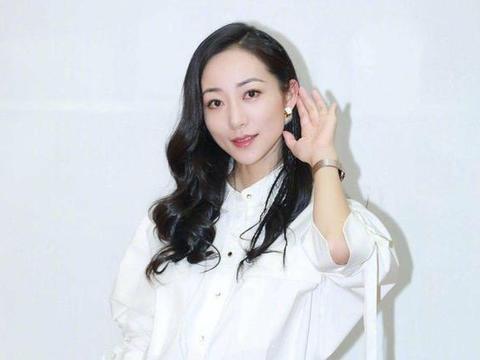 中国大陆有哪几个女明星背景是非常强大的?第三位身份太尊贵