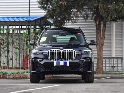 豪华旗舰SUV,能开上的都是成功人士,比宝马X5大很多