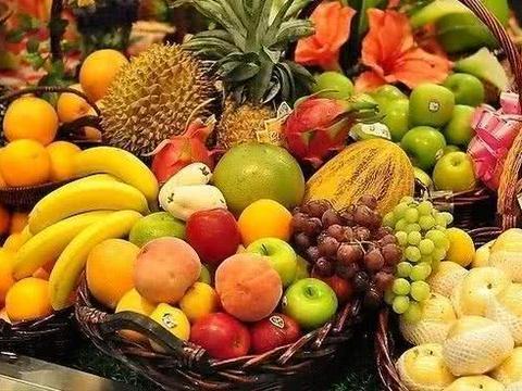尿酸高的人不能吃水果,也不能喝果汁?营养师辟谣:这样做最危险