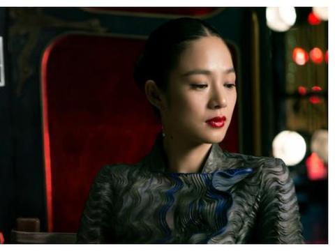 15岁选美拿冠军,40岁仍被姜文宠成女王!如今生活幸福