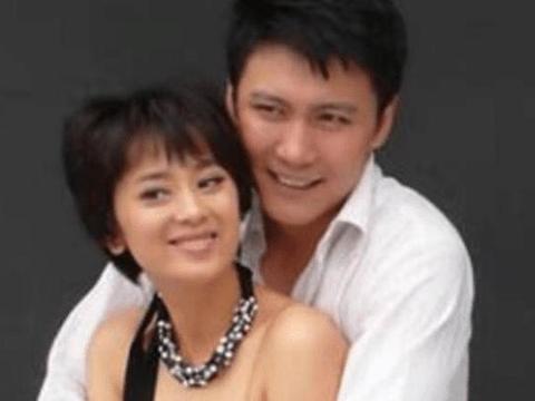 曾和徐静蕾齐名,颜值不输杨幂,嫁给跑龙套老公如今超幸福