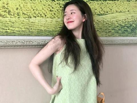 有种国民妹妹叫赵露思,当她露出迷人笑脸时,网友:仿佛看到初恋