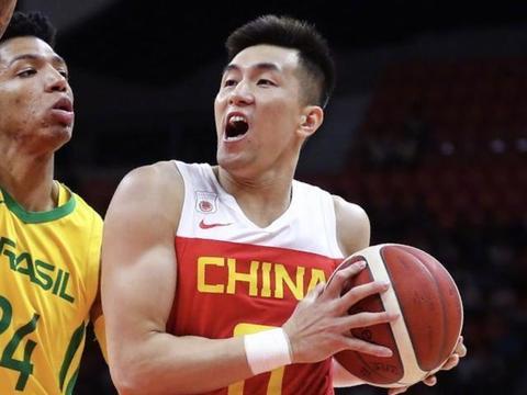 中国男篮输巴西的反思:三后卫配置不能成常态,前锋需给中锋减压