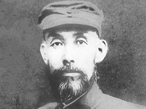 他是山东抗日第一人,韩复榘逃跑后他和八路军一起抗日,后牺牲