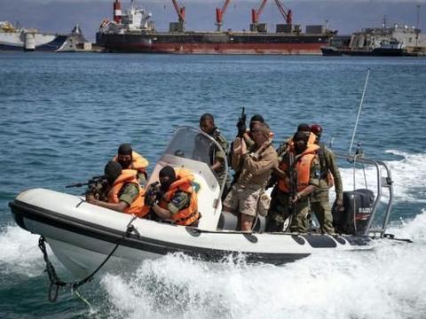 美国海岸警卫队在佛得角参加演习 快速提升西非国家反恐能力