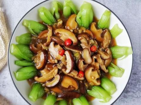 不到10元的一道素菜,好看又好吃,学会中秋节给家人露一手吧