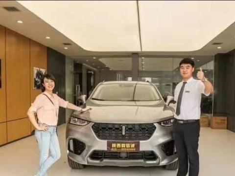 女车主购新车了,这次不是奔驰,而是它!网友称:明智之选