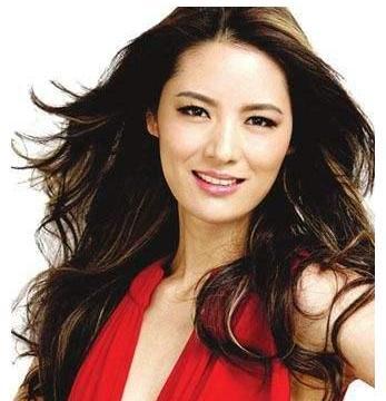 """她被称""""中国第一美女"""",身价过亿,今44岁隐居山林以种田为乐"""