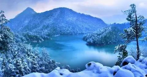 江西的这个风景区与三清山东西并峙,特别美丽