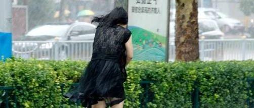 秋老虎没来,冷空气马上抵达山东!济南雨雨雨!网友:还两个多月就供暖