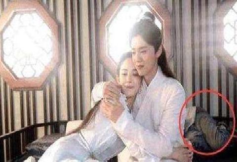 《择天记》中,鹿晗和古力娜扎拥抱谈情说爱的背后