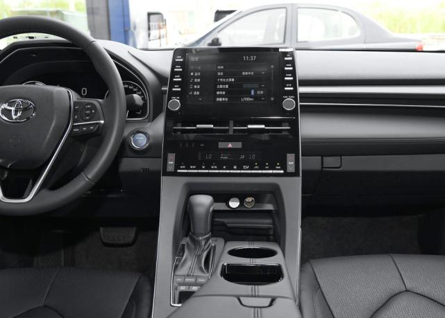 20多万买一台丰田全新亚洲龙,外形漂亮、内饰豪华动力强