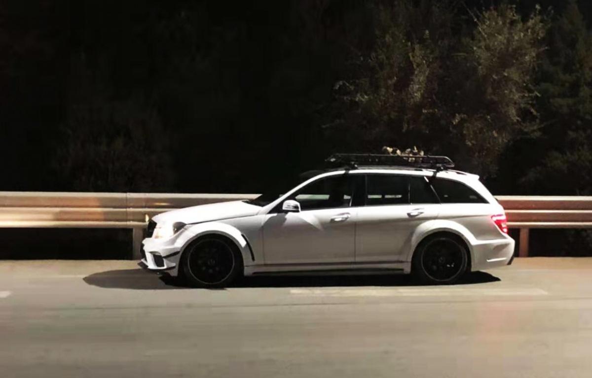 驱车2000公里去改装,奔驰C200变身当地最帅旅行车