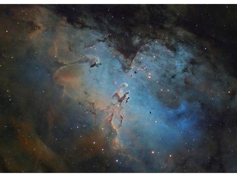 每日天文——200万年历史的鹰状星云