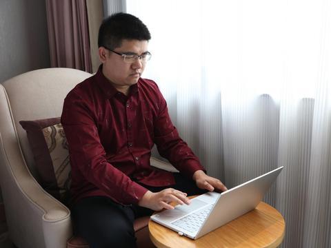 李磊逆向思维:张海迪的故事