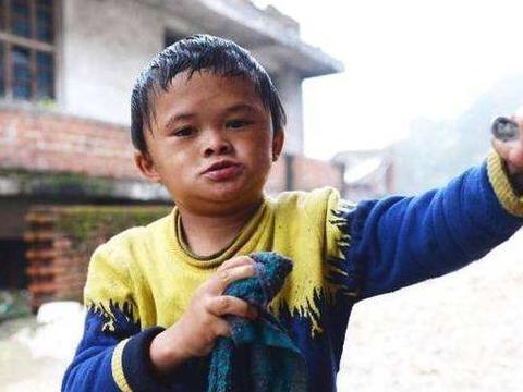 小马云走红3年后,如今变胖不像马云,被辞退送回农村打回原形!