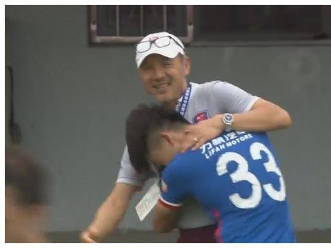 记者:南松恢复自由身,暂时跟随中乙延边北国训练