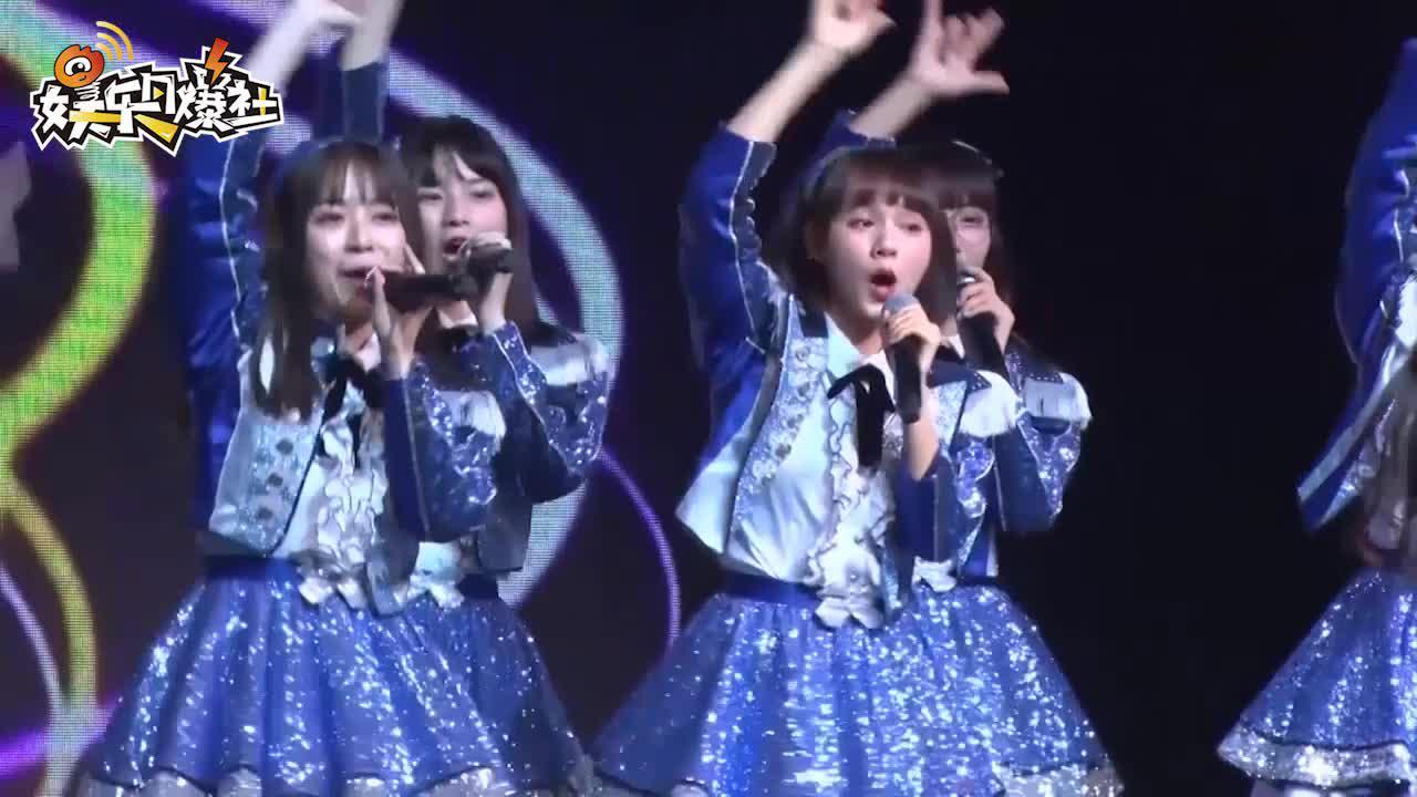 视频:AKB48 Team SH见面会人气足 一期生二期生惊喜同台表演