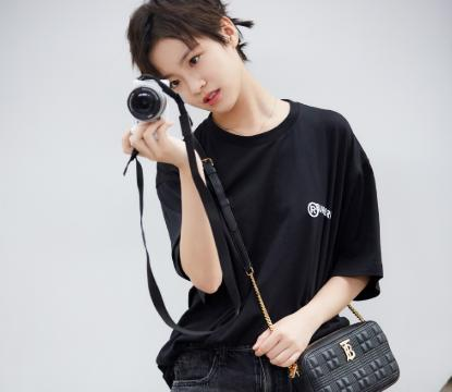 因《小欢喜》圈粉无数,剪气质短发惹人爱,李庚希会成为新女神?