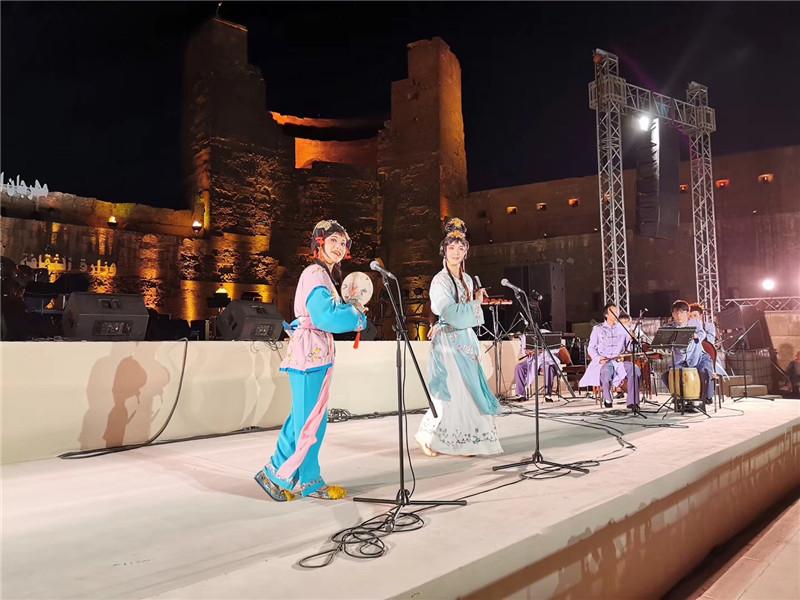泉州高甲戏唱响埃及古堡音乐歌唱节