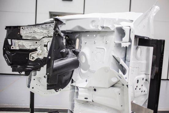 世界首创!帝人与福特联合开发双壁结构复合型发动机罩