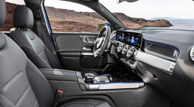 全新国产奔驰GLB实车现身,5座配双横幅格栅,或搭1.3T动力!