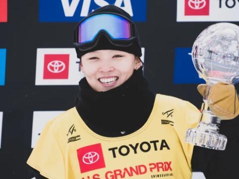 澳洲杯单板滑雪U型场地蔡雪桐第一 张义威祭出高难度进决赛