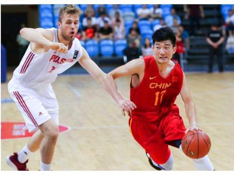 中国男篮再现一位奇兵!孙铭徽拿下9分2助或将下场比赛成首发?