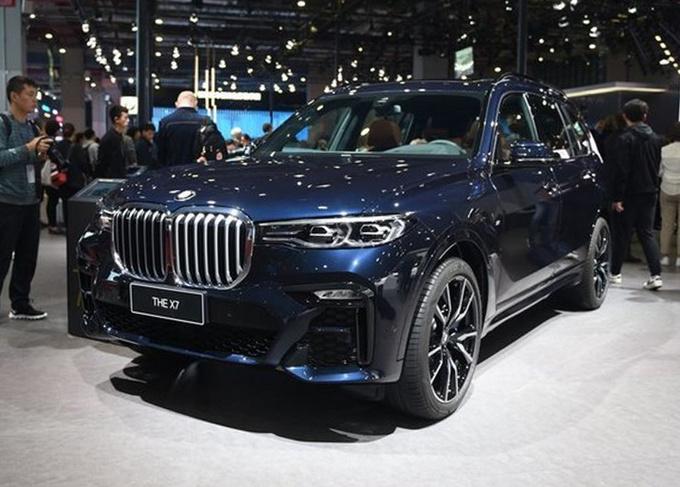 宝马新款X7配置曝光,9月就能买,增2款车型,奔驰GLS还不换代?