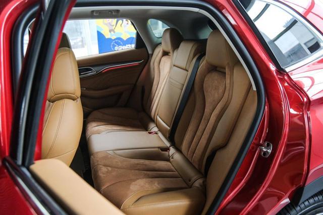后驱SUV叫板唐二代!丐版246匹,轴距2米8,却因这些没人要