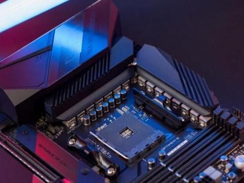 电脑城花1万2攒机,用SATA接口固态,七彩虹显卡,有什么套路吗