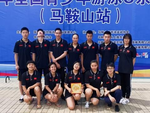 衡水一中游泳队打破全国赛3项赛会纪录