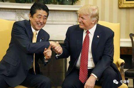 特朗普让人害怕的握手神功,这次被他们彻底给破了!